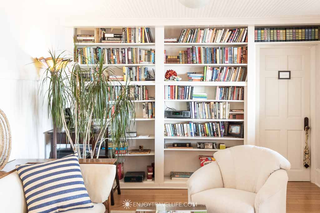 Library at Inn on the Sound in Falmouth Massachusetts