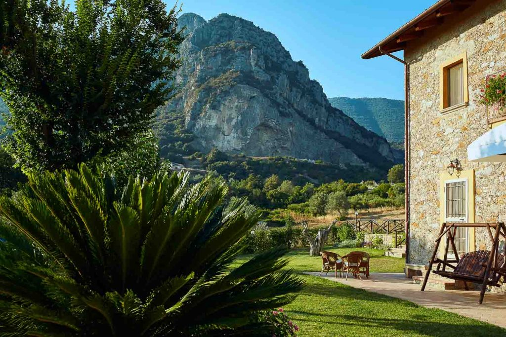 Rental in the mountains of Giungano - Campania, Italy | Nature House