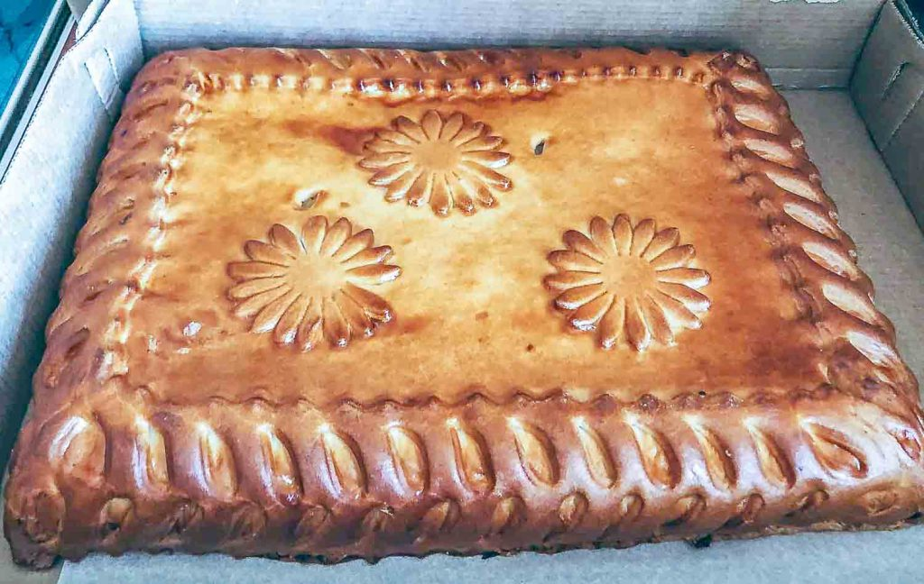 A decorative Russian pie (sweet or savory) | Must try for Foodies