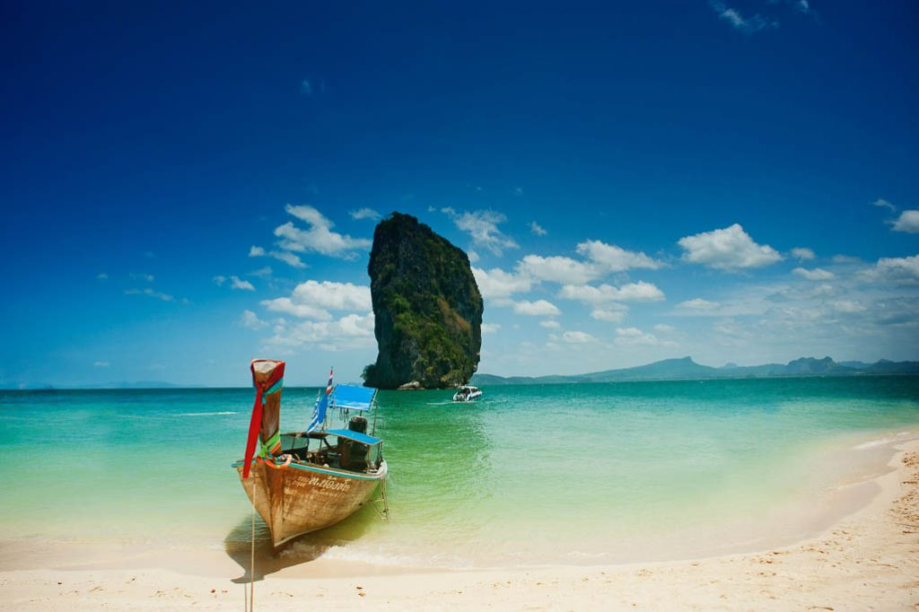 Essentials of traveling to Thailand: Visit the islands
