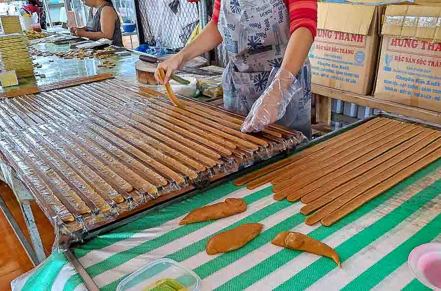 Candy of the world - woman makes Coconut Candy (Vietnam)