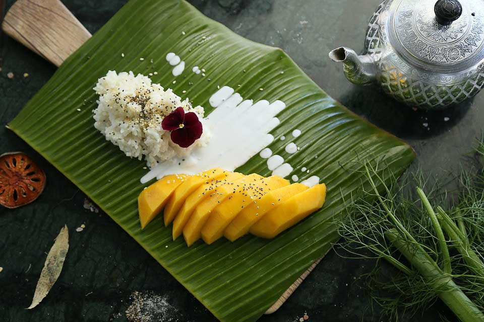 Thailand dessert - Mango with Sticky Rice